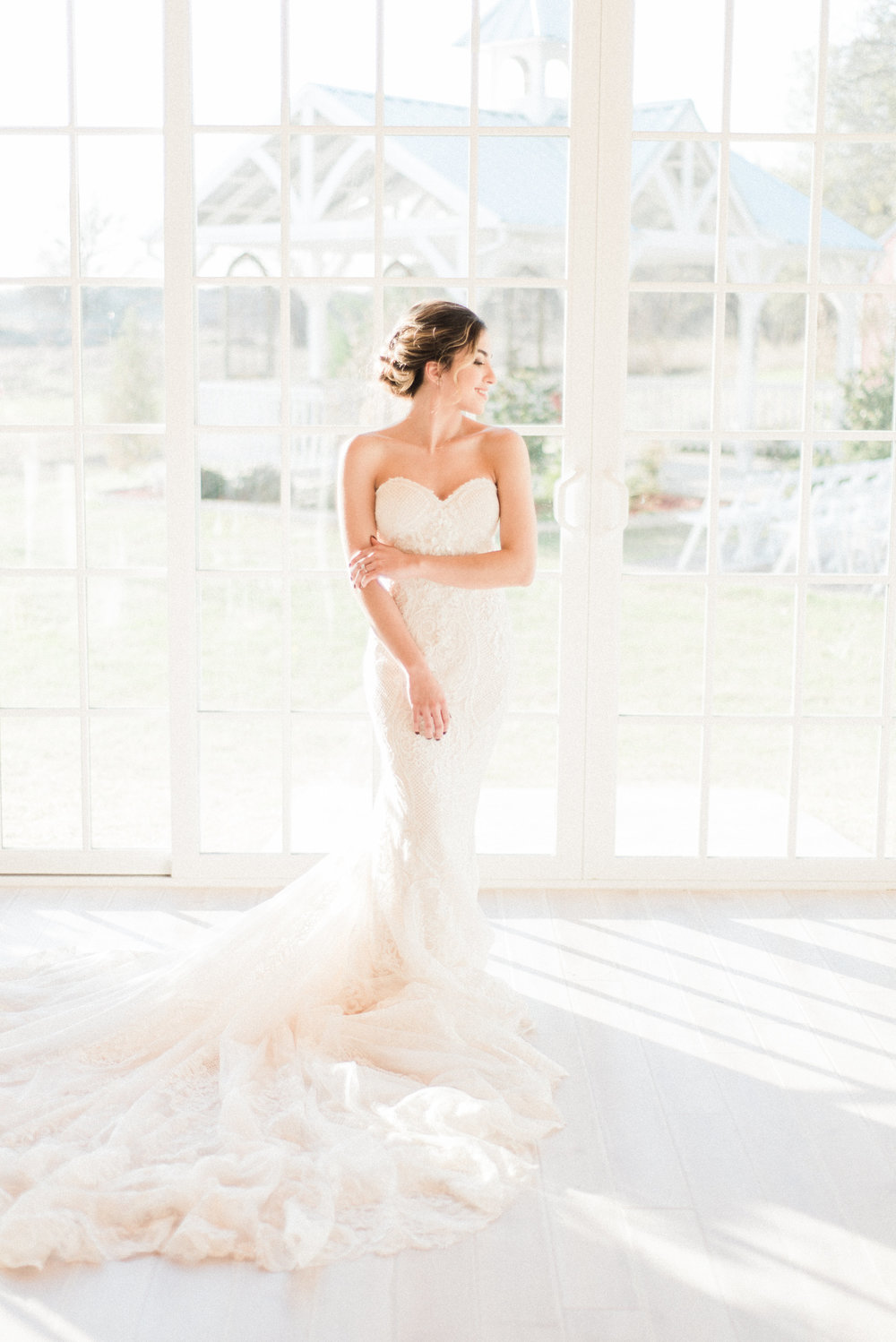 willow creek wedding photography lace fitted wedding dress