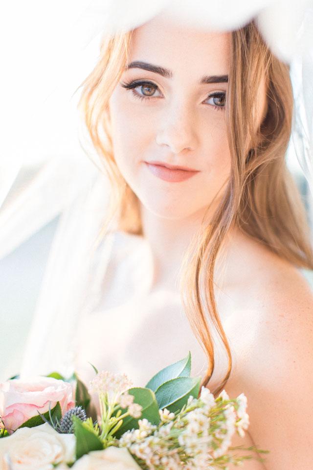 ella-burgos-classic-ivory-bridal-session-01.jpg