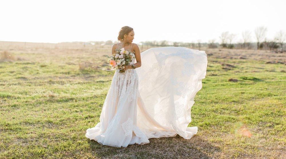train toss lace a-line wedding dress photography