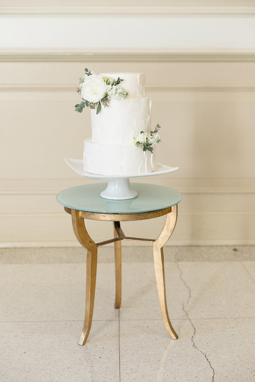 green and white wedding cake