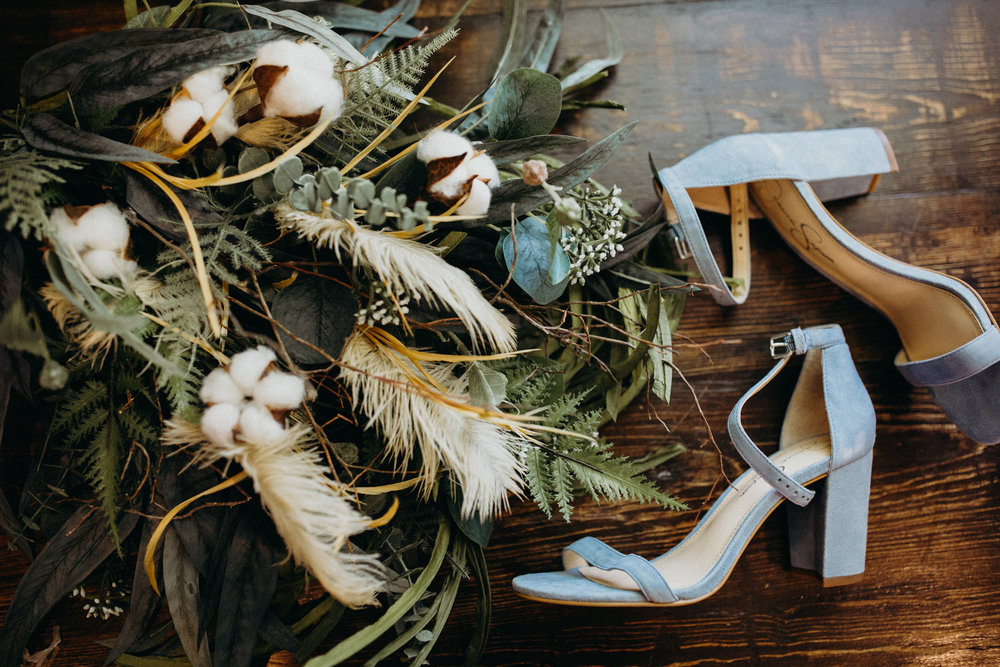 century tree productions, Elizabeth lee bridal, wedding details