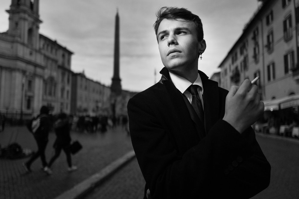 A portrait of Enrico at Piazza Navona in Rome. Aperture f2,0 at 200 iso. Ambient light plus a single led light.