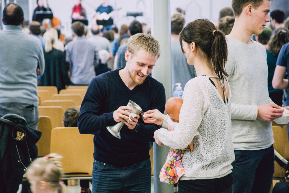 Bliv en del af holdet - Vi har altid brug for nye frivillige til at løfte kirkens tjenester