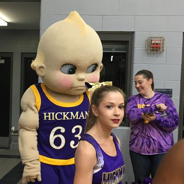 Hickman Kewpies vs Liberty North Eagles tied at the half 24-24 @americancancersociety @normstewartclassic @moroundball @columbiacollege