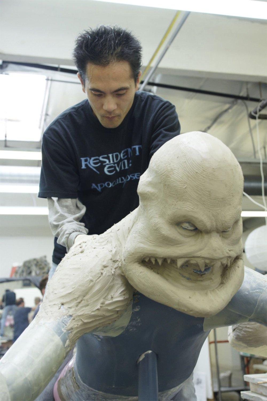hiroshi sculpting.jpg