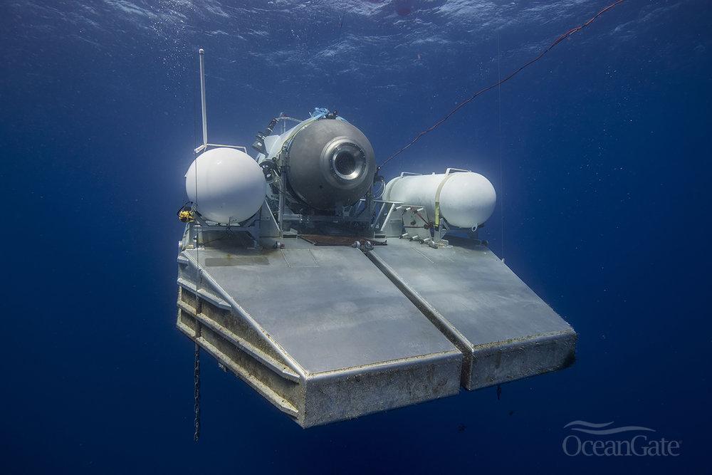 titan-on-platform-underwater-bks.jpg