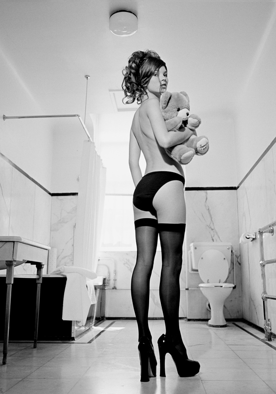 Kate Moss Praed St Bathroom 10