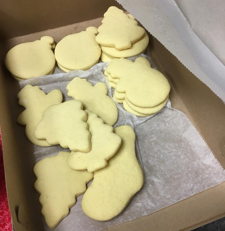 kids christmas 2017 - unfrosted cookies.jpg