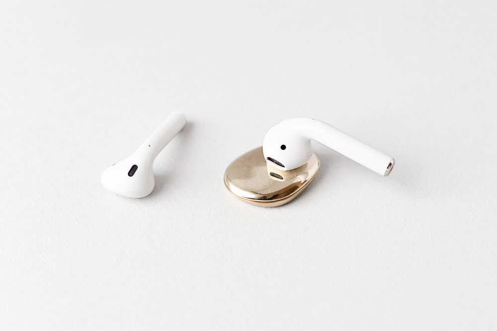 erling_gold_with_airpods.jpg