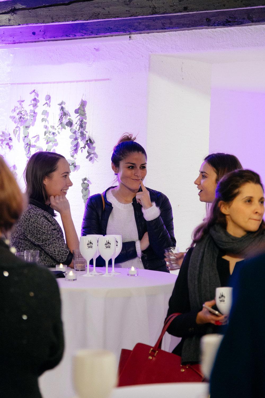 Genuine Women dans le Tribune de Genève