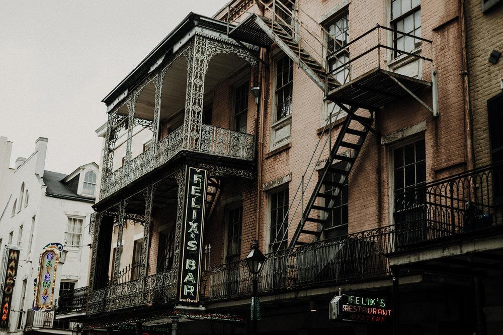 New-Orleans-Burbon-Street-107.jpg