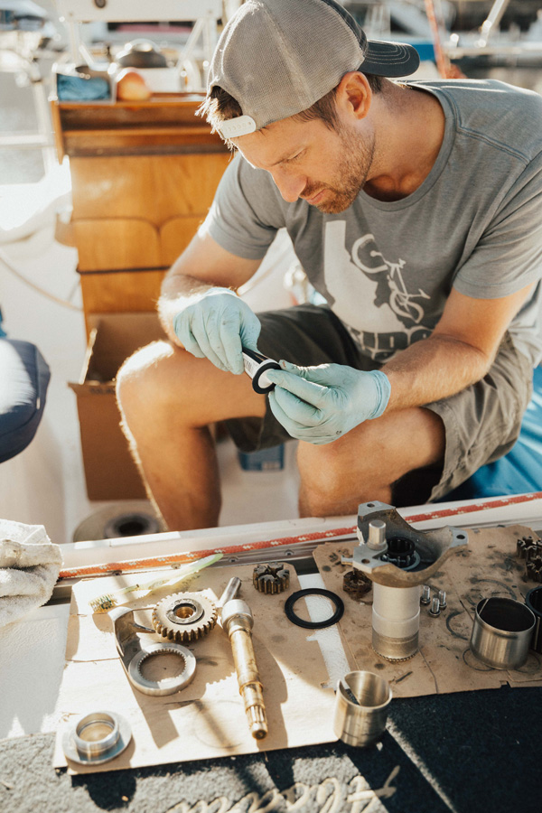sailboat-maintenance.jpg