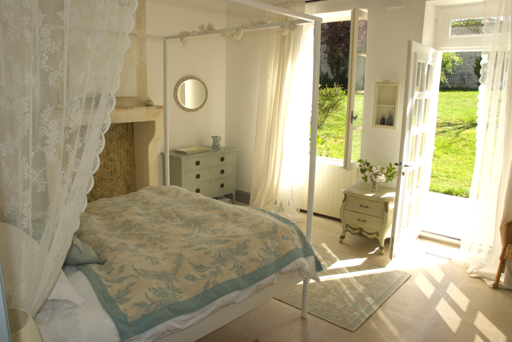 garden bedroom.png