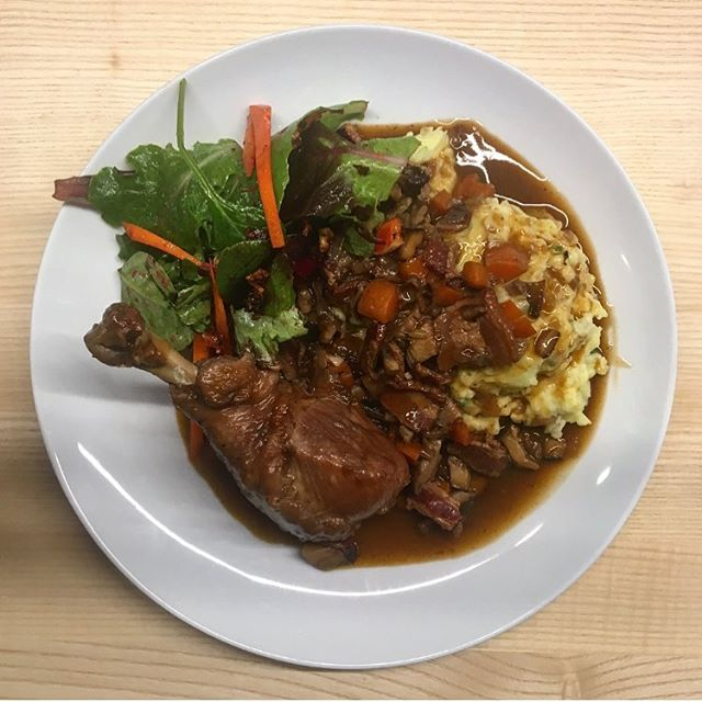 My first coq au vin! I have never had it before so not sure if it's supposed to have this much liquid but it was like a gravy and so perfect with the mashed potatoes. Again plating is not my thing, had to hold @henrikellersgaard back so I could snap a photo before we all devoured, sooooo good and the studio smells divine! #rareandwell