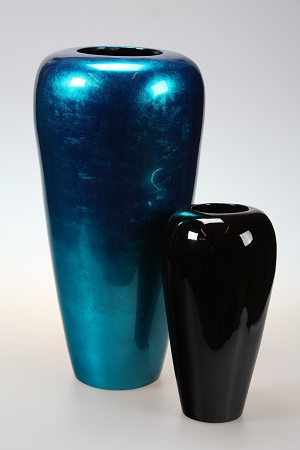 vase bright blue.jpg
