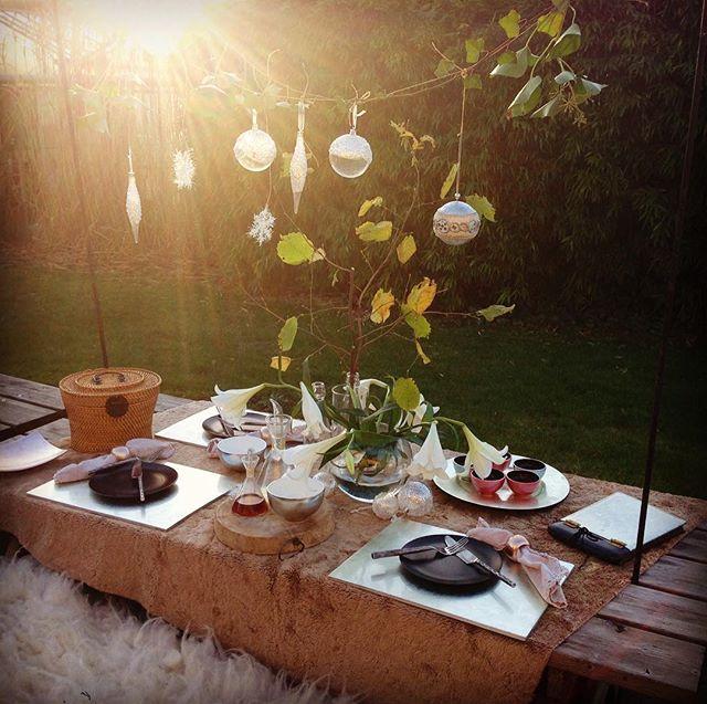 Heerlijk...dat zonnetje vandaag! #genieten #herfst #buiten #indochine_bamboo #bambooplacemats #smallbowls #rounddish