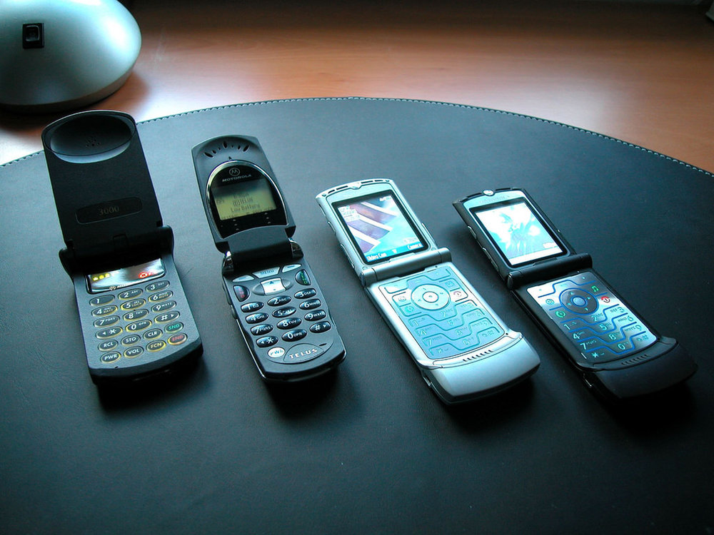 The Motorola StarTAC and RAZR cellphones inspired from Star Trek communicators (Image: Motorola)