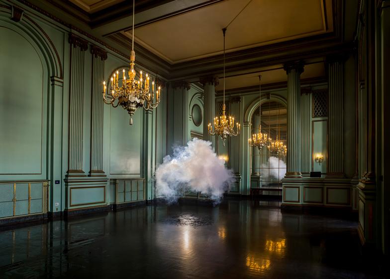 babel-moon_nimbus_green_room_cloud_by_berndnaut_smilde_ss_1.jpg