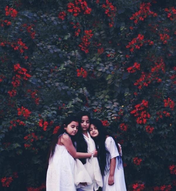 babel-moon_Bhumika-Bhatia-01.jpg