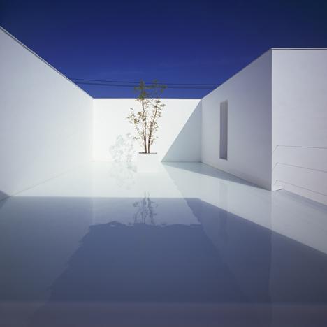 babel-moon-White-Cave-House-Takuro-Yamamoto-Architects-1.jpg