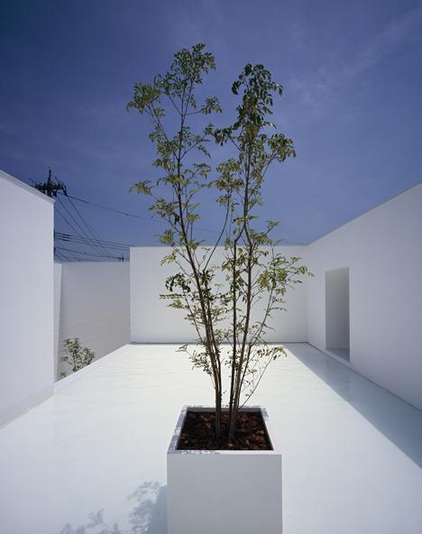 babel-moon-White-Cave-House-Takuro-Yamamoto-Architects-2.jpg