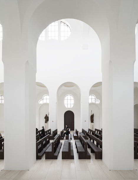babel-moon-St-Moritz-Church-John-Pawson-4.jpg