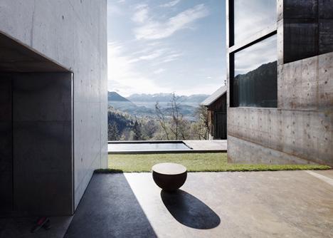 babel-moon-Maiden-Tower-Marte-Marte-Architects-6.jpg