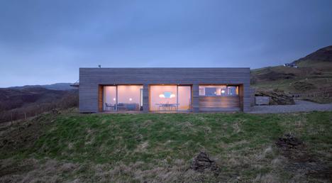 babel-moon-Tigh-Port-na-Long-Dualchas-Architects-13.jpg