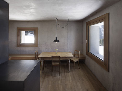 babel-moon-Mountain-Cabin-Marte-Marte-Architects-5.jpg