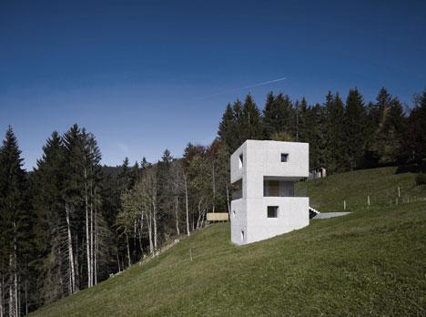 babel-moon-Mountain-Cabin-Marte-Marte-Architects-15.jpg