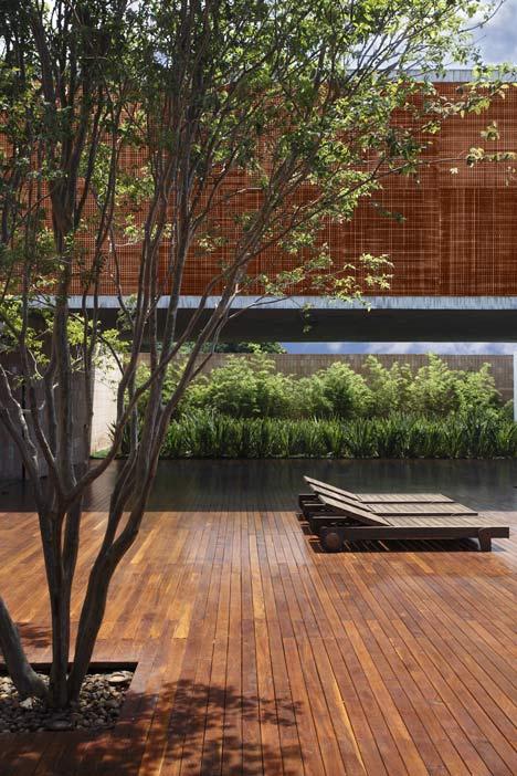 babel-moon-BT-House-Studio-Guilherme-Torres-6.jpg