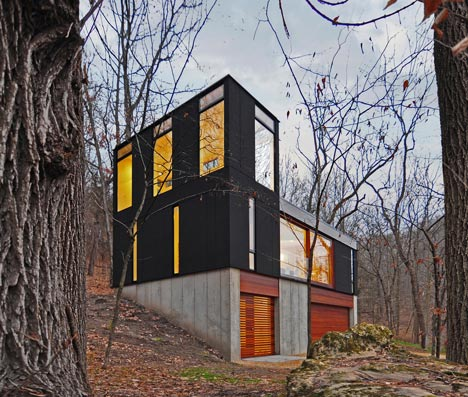 babel-moon-Stacked-Cabin-Johnsen-Schmaling-Architects-1.jpg