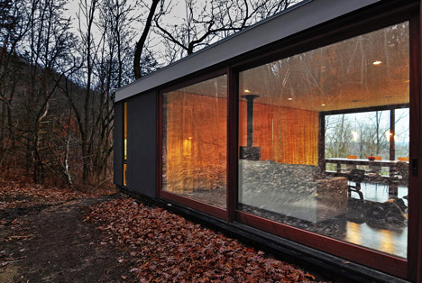 babel-moon-Stacked-Cabin-Johnsen-Schmaling-Architects-8.jpg