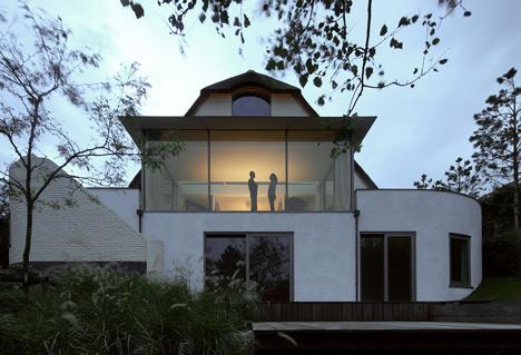 babel-moon-House-N-Maxwan-17.jpg