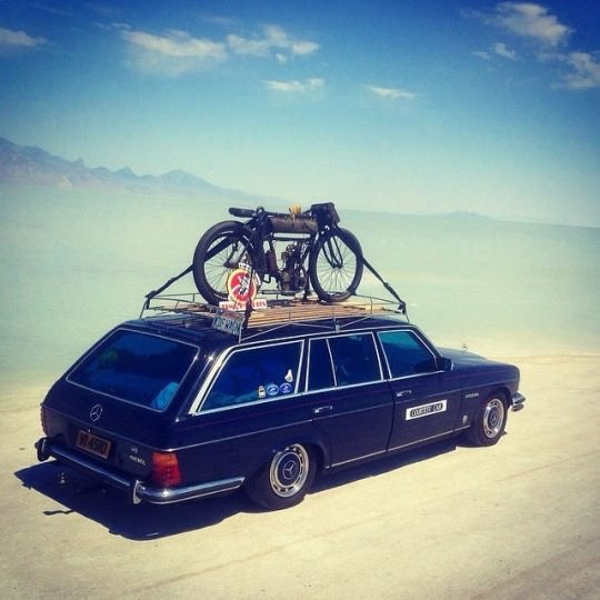 Babel-moon-Old-mercedes-benz-touring-with-a-motorbike-on-top.jpg