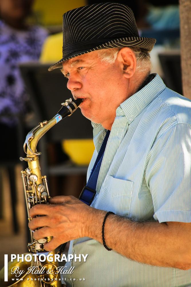 Saxophonist, Madrid