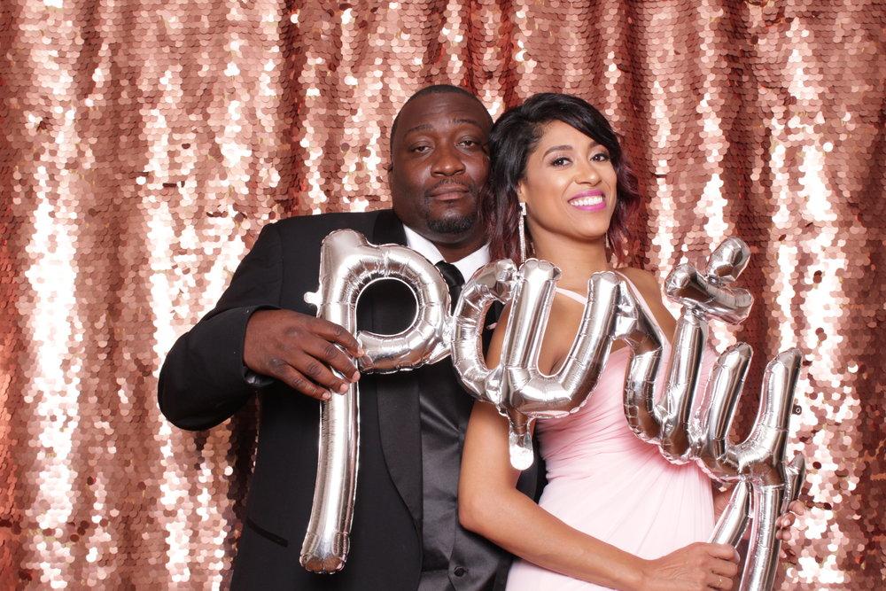 125 Daniel Island Club Alston Wedding Lowcountry Photo Booth.jpg