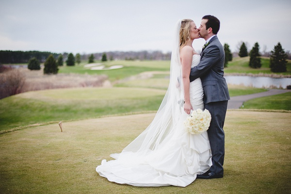 Rochelle Louise Photography, Minneapolis wedding photographer, Minnesota wedding photographer, Rush Creek wedding, golf course wedding, country club wedding, long wedding veil