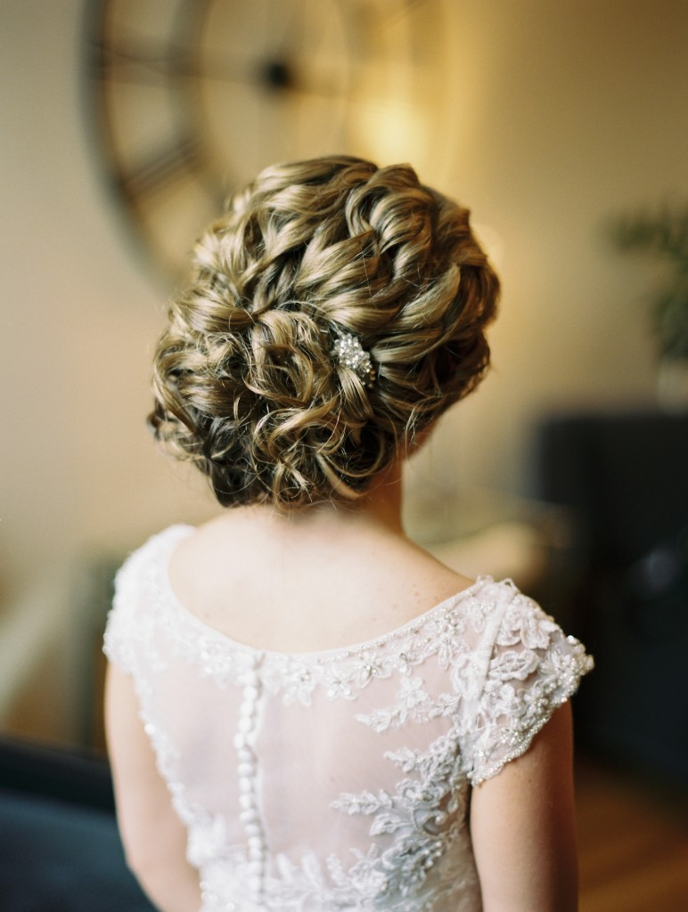 romantic updo, wedding updo, James J Hill library, James J Hill library wedding, Rochelle Louise Photography, Minneapolis wedding photographer, fine art wedding photographer