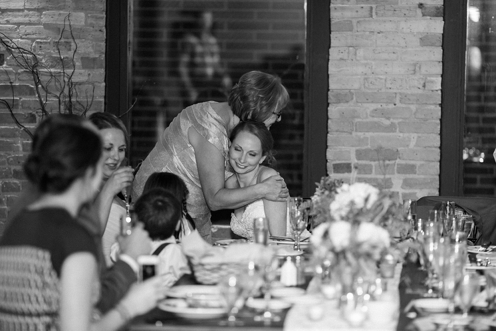 Rochelle Louise Photographer, marsala wedding, fall wedding, outdoor wedding, Minnesota wedding photographer, Minneapolis wedding photographer
