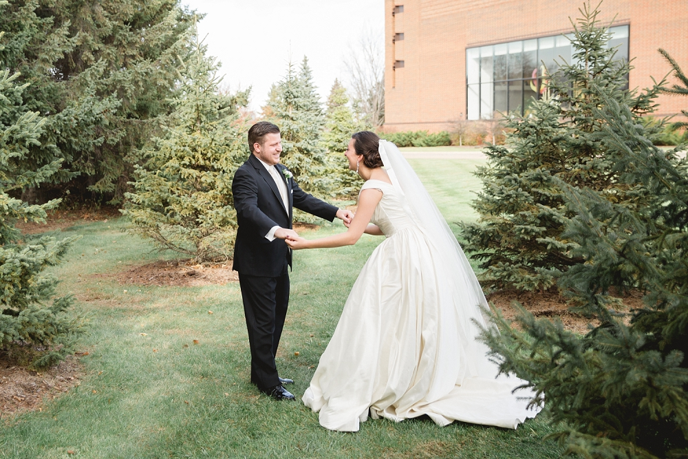 Rochelle Louise Photography, classic wedding, elegant wedding, Minneapolis wedding photographer, black and white wedding, ballgown wedding dress, fall wedding, Minnesota fall wedding