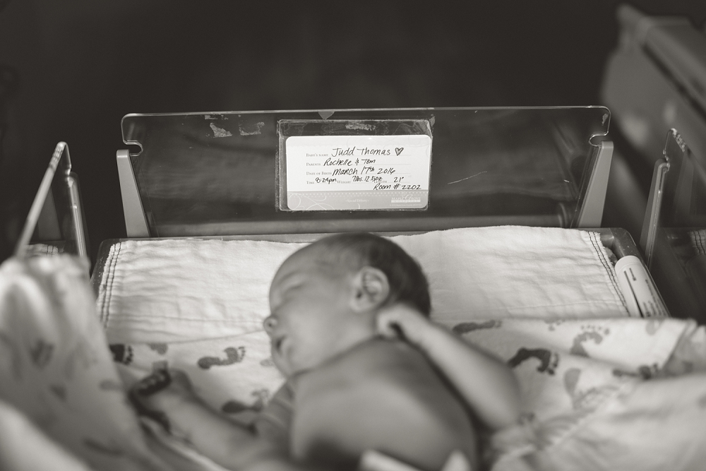Minneapolis newborn photographer, Rochelle Louise Photography, birth photographer, Minneapolis lifestyle photographer