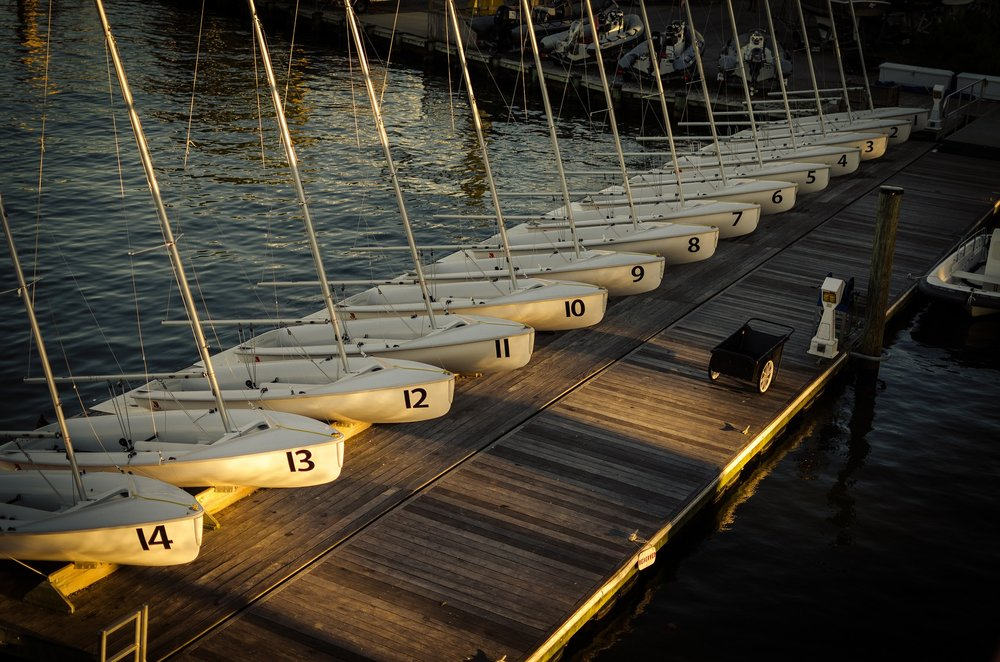 sail-boats-1030720_1920.jpg