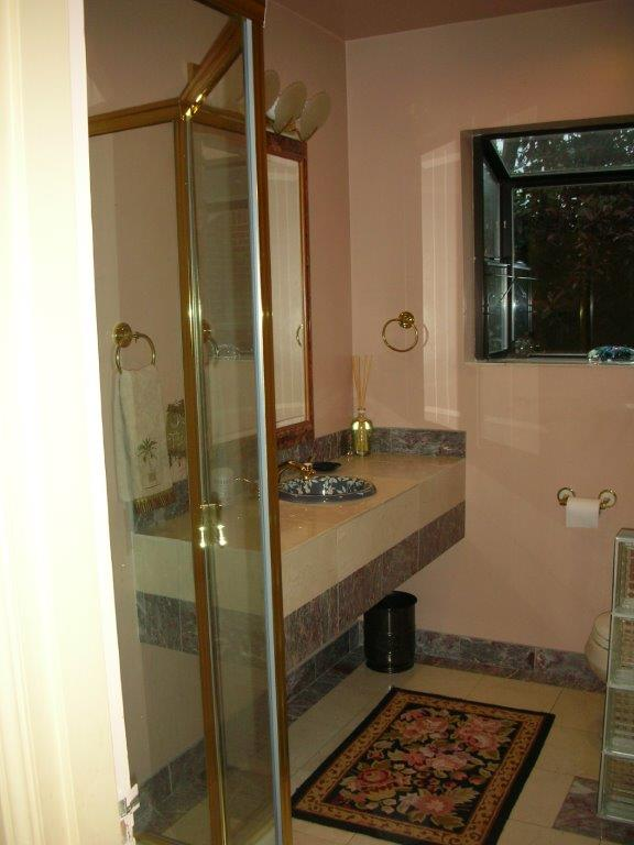 Powder Room Before.jpg