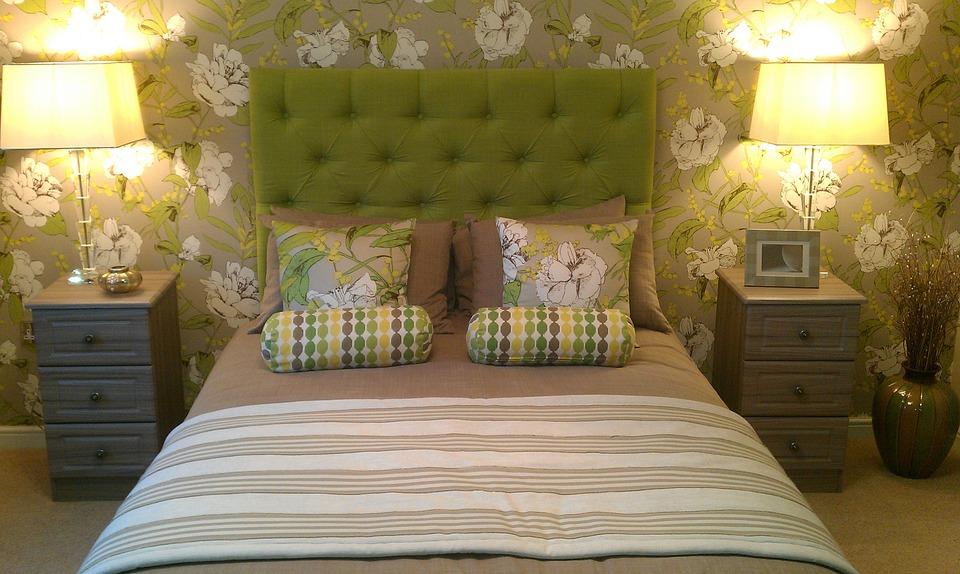 bedroom-954662_960_720.jpg