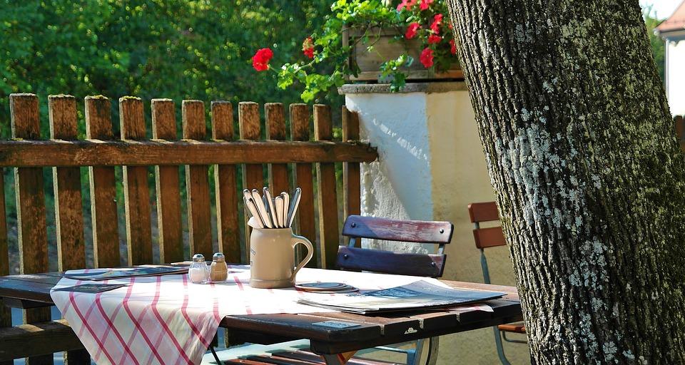 beer-garden-1670028_960_720.jpg