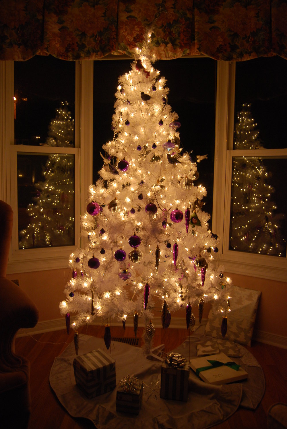 White_christmas_tree.jpg