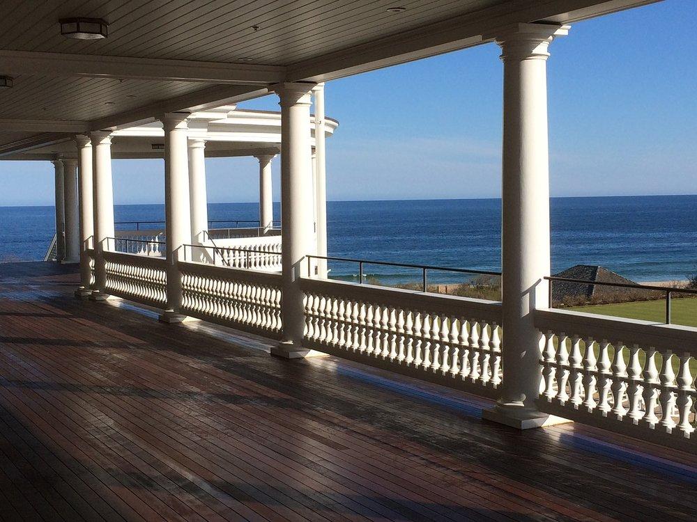 porch-1585491_1280.jpg