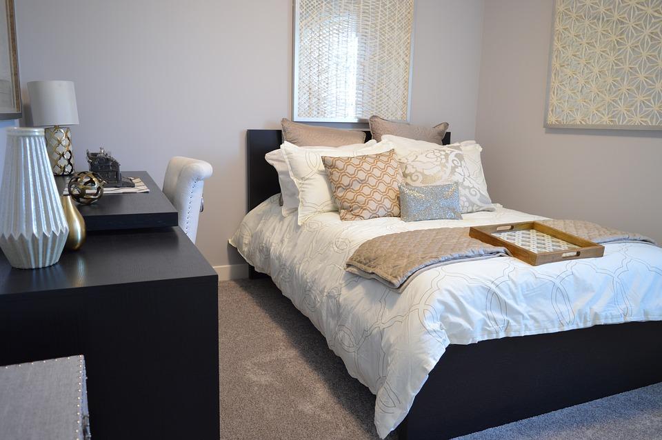 bedroom-1078890_960_720.jpg