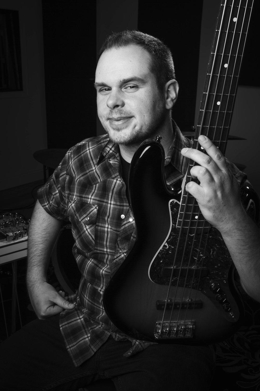 Tom Hoy - Bass